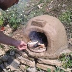 Мини пећ од глине и сламе – једноставан начин за припремање веома укусне хране